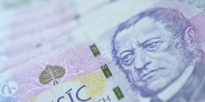 Czech Labor Ministry Proposes To Peg Minimum Wage to 1/2 of the